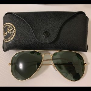 Accessories - Ray-Bans Aviator Sunglasses 🕶 (Authentic)